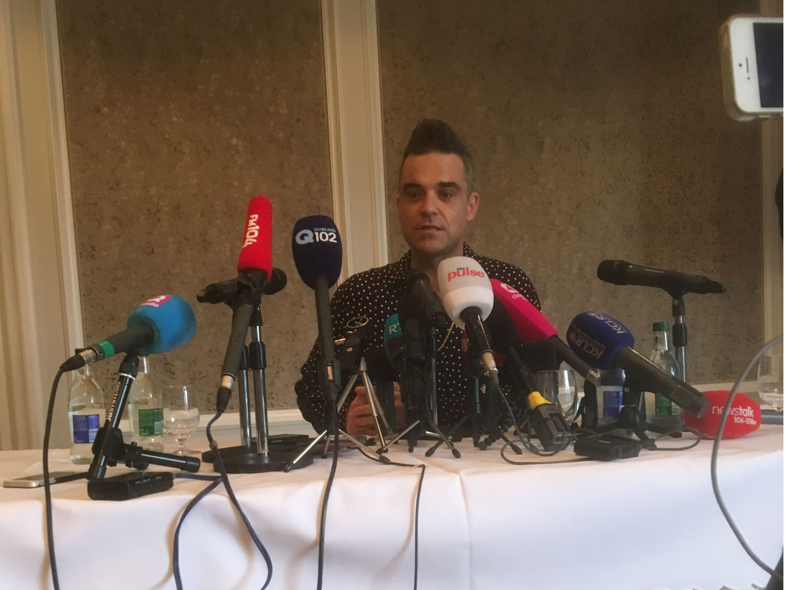 Robbie Williams Receives Top Award