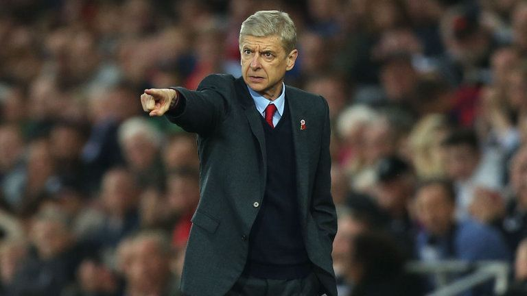 Wenger defends wholesale changes