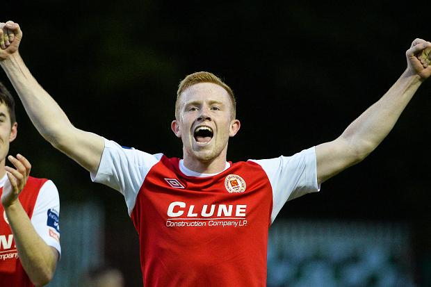 Dundalk sign Hoare from Pats