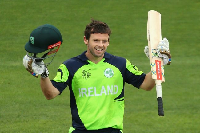 Cricketer Joyce commits future to Ireland