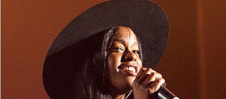 Azealia Banks Waits For Iggy Song