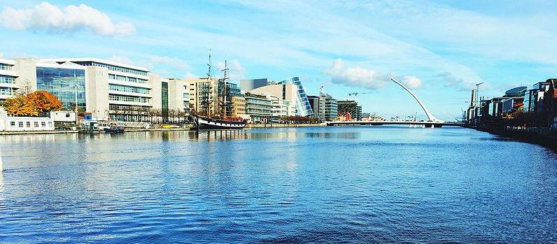 Crane Operators Strike In Dublin