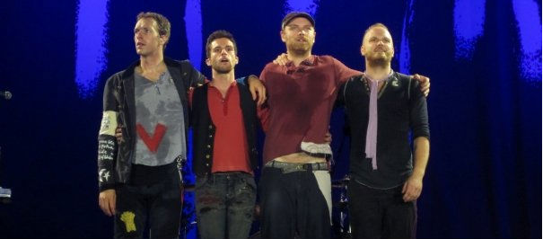 Coldplay Perform Linkin Park Hit