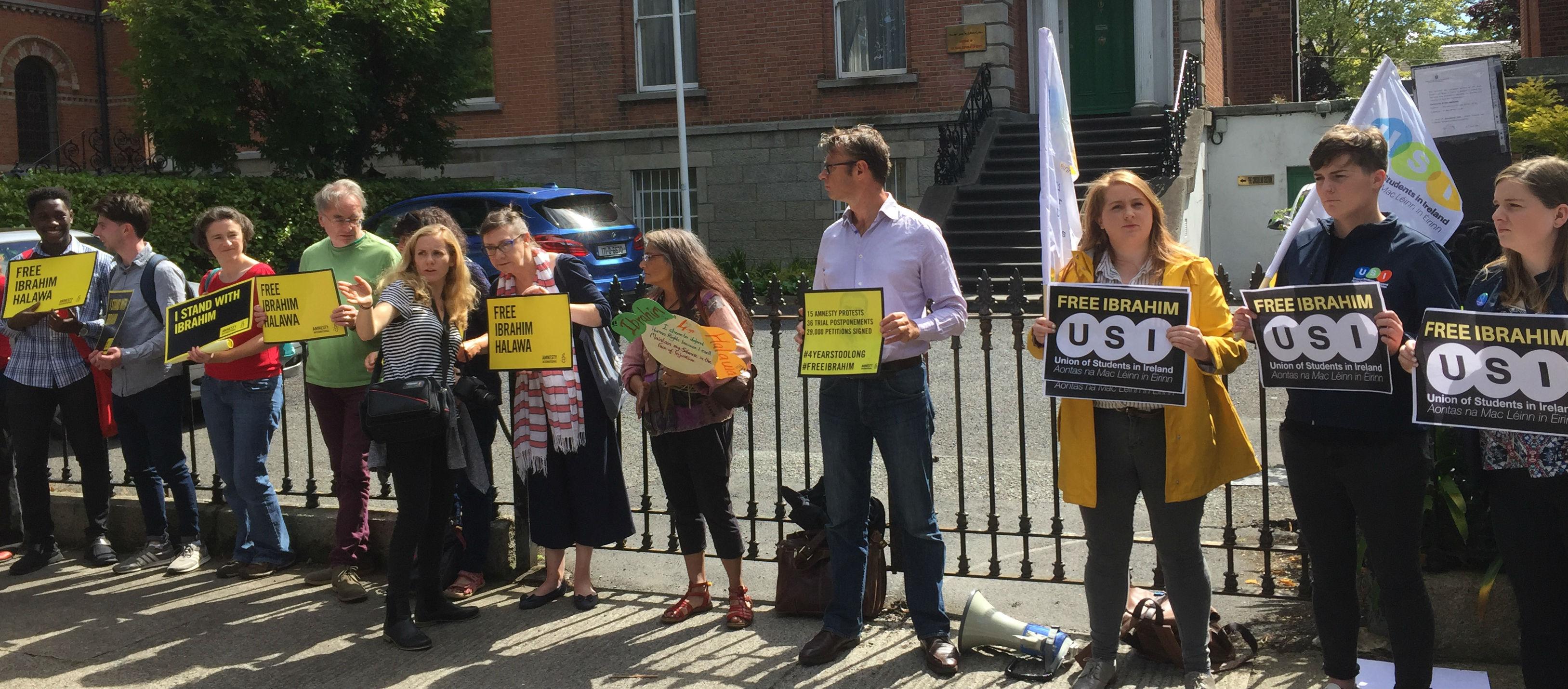 Halawa Supporters Meet Outside Egyptian Embassy