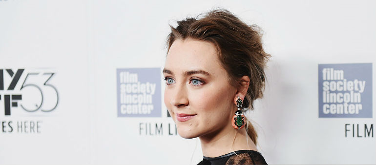 Saoirse Reveals Why She's Wearing Black At Globes