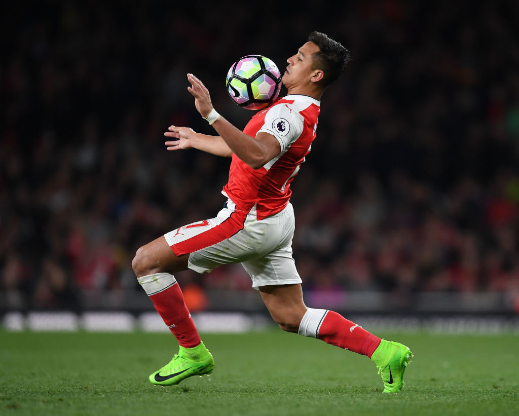 Sanchez Closes in on Old Trafford move