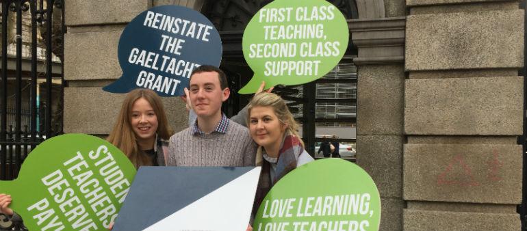 Student Teachers Highlight Pay Pressures