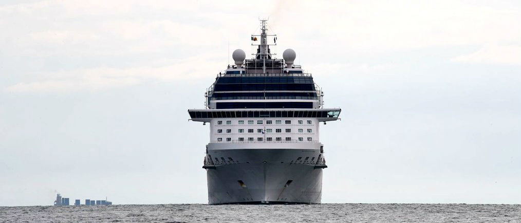 Cruise Ship First To Use Dublin Base