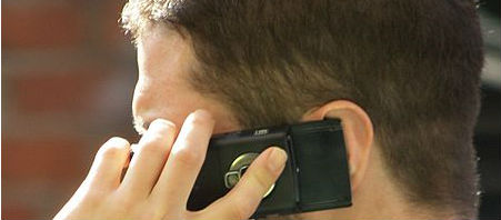 Schools Told To Consult On Smartphone Use