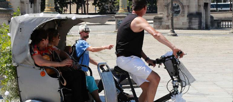 A Councillor Wants Rickshaws Regulated