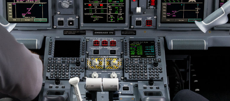 Pilots Report Close Encounter With UFO