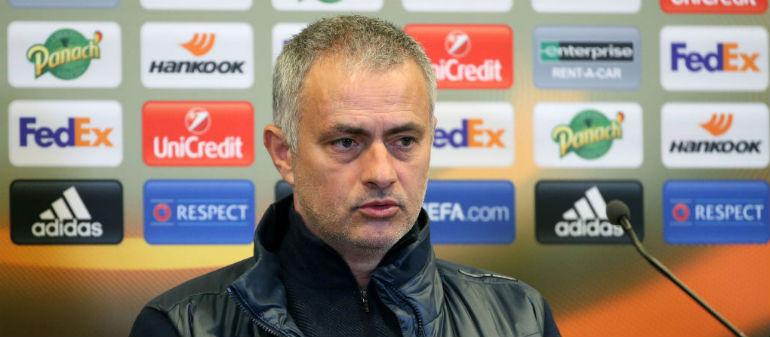 Mourinho 'not making comments' on United sacking