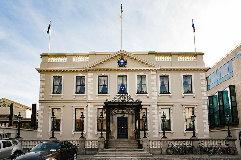 Mansion House Runs Out Of Beer