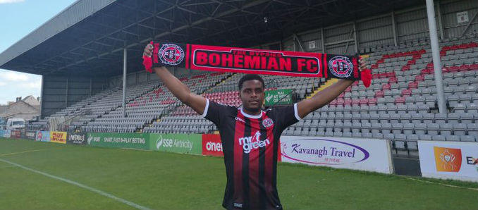 English striker signs for Bohs