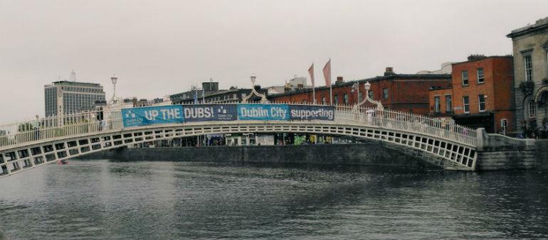 Bridge Banner Set For Council Review