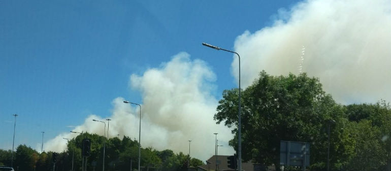 Dublin Fire Bridage battle fire on Oscar Traynor Road