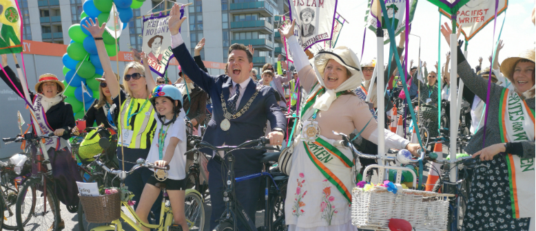 Over 1,500 Cyclists Take Part in Velo Cities Parade