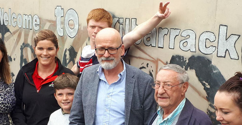 Roddy Doyle talks out against closure of services for young people