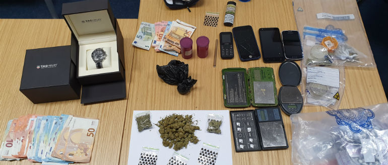 Drugs, Cash And Phones Siezed In The City